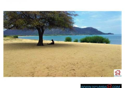 Lakeshore plot for sale in Mangochi