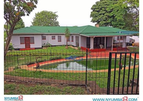 4 Bedroom House with Swimming Pool for Rent in Nyambadwe, Blantyre