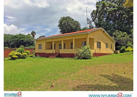 4 Bedroom House for sale in Namiwawa